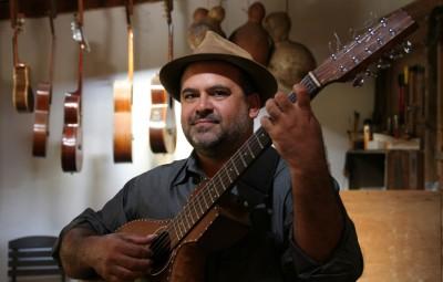 Levi Ramiro, um dos violeiros presentes em Infinitos Acordes (Foto Adriano Rosa)